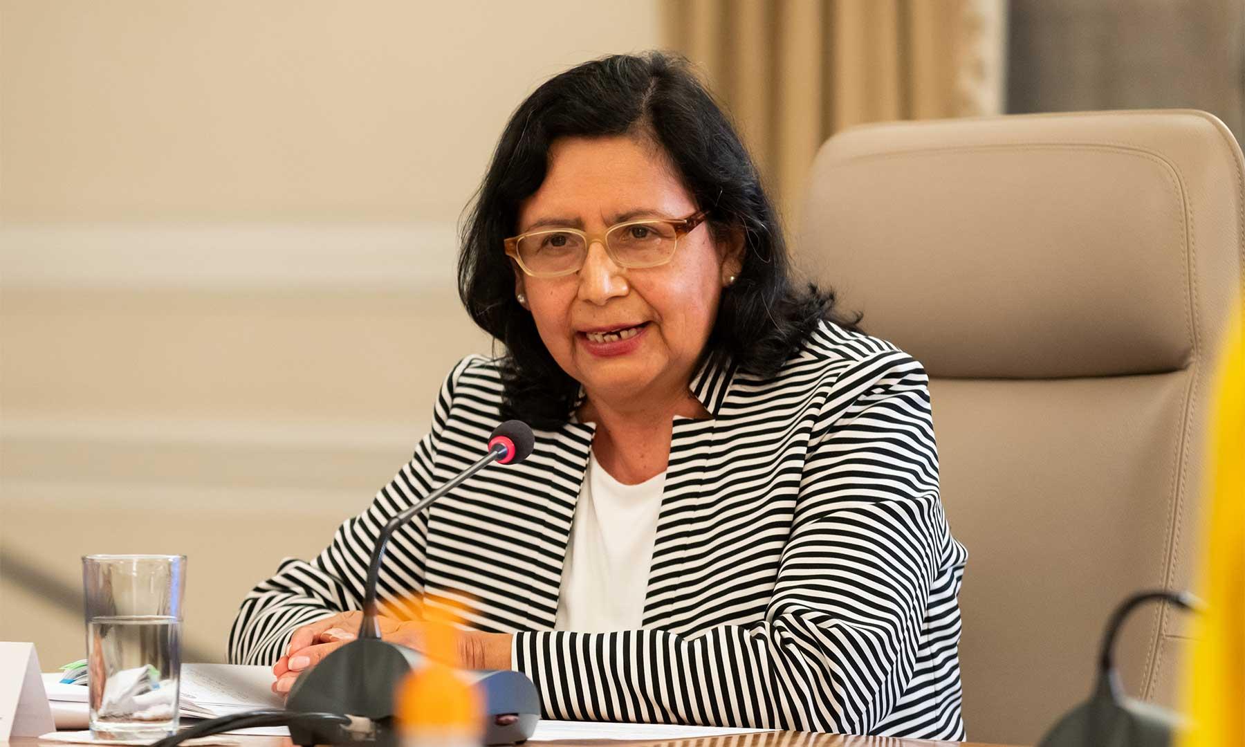 La Representante de OPS/OMS en Colombia, Gina Tambini -quien fue invitada este lunes al programa 'Prevención y Acción'- afirmó que Colombia le está dando ejemplo al mundo en el manejo de la pandemia del coronavirus (covid-19).
