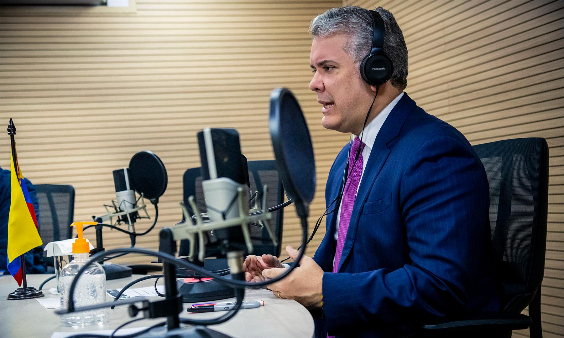 Le decimos al gobierno cubano que privilegie la relación con Colombia y no la relación con el Eln, dijo este lunes el Presidente Iván Duque Márquez, durante una entrevista con la Radio Nacional de Colombia.